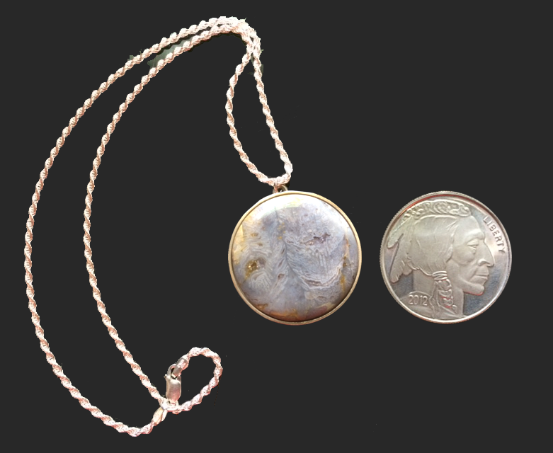 wv-gemstone-pendant