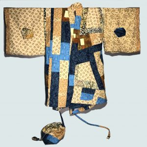 Decorative sleeve pockets in this kimono style jacket
